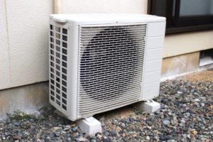 エアコンの掃除の仕方 カビ臭い